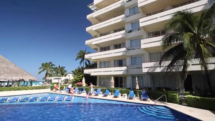 Ixchel Beach Hotel piscina
