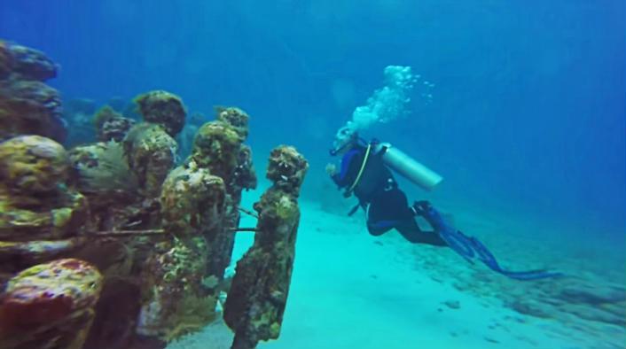 Museo bajo el agua en Isla Mujeres
