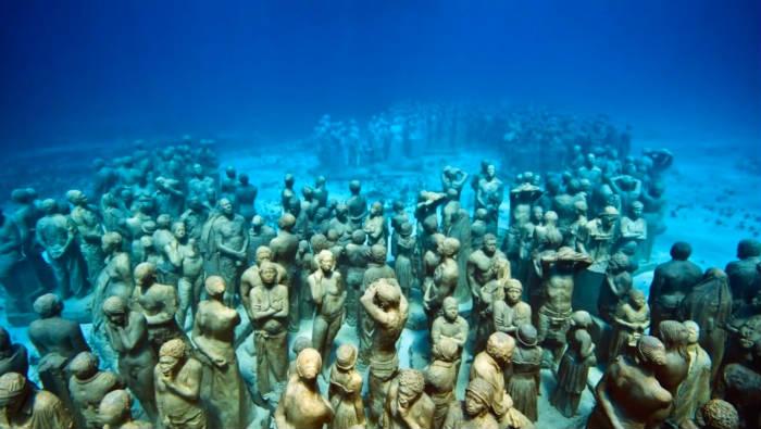 Tour por el museo bajo el agua de Isla Mujeres